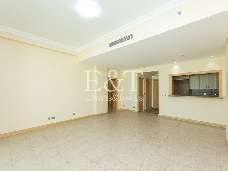 Top Floor | 1 Bedroom | Park view | PJ