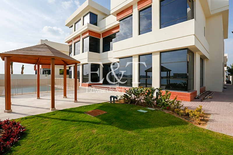 Brand New Villa on the Tip of Frond | PJ
