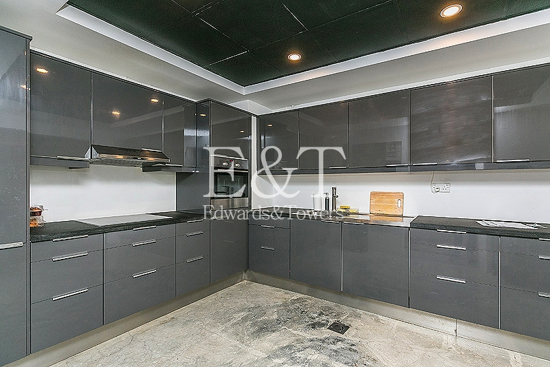 Stunning | Fully Upgraded 2 BR | F Type in Palm