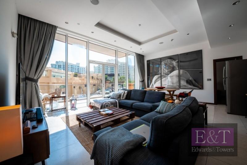 Large Terrace | 2 Beds + Study | VOT