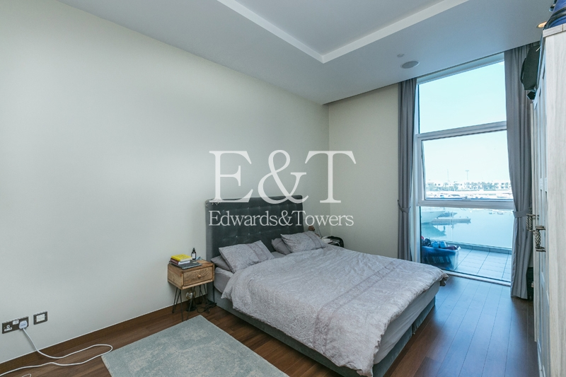 Huge One Bed   Unique   Full Sea View