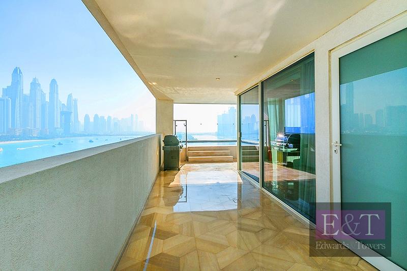EXCLUSIVE AGENTS: High Floor 3 bedroom Penthouse