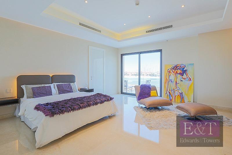 World class contemporary beach house
