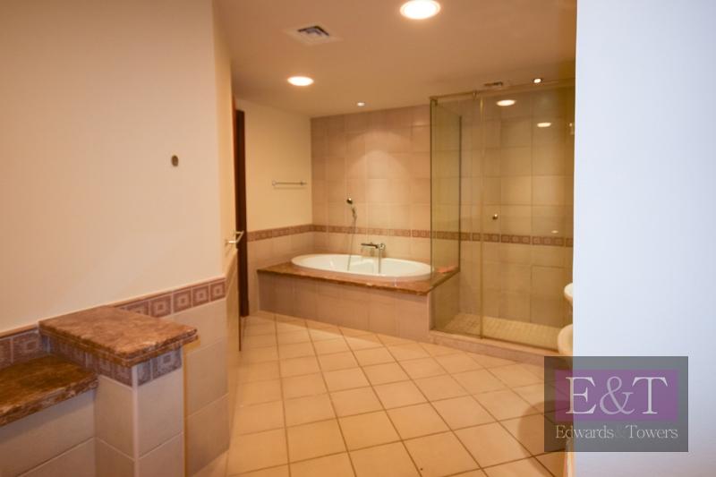 1Bedroom Large | Golden Mile 2| Community View| PJ