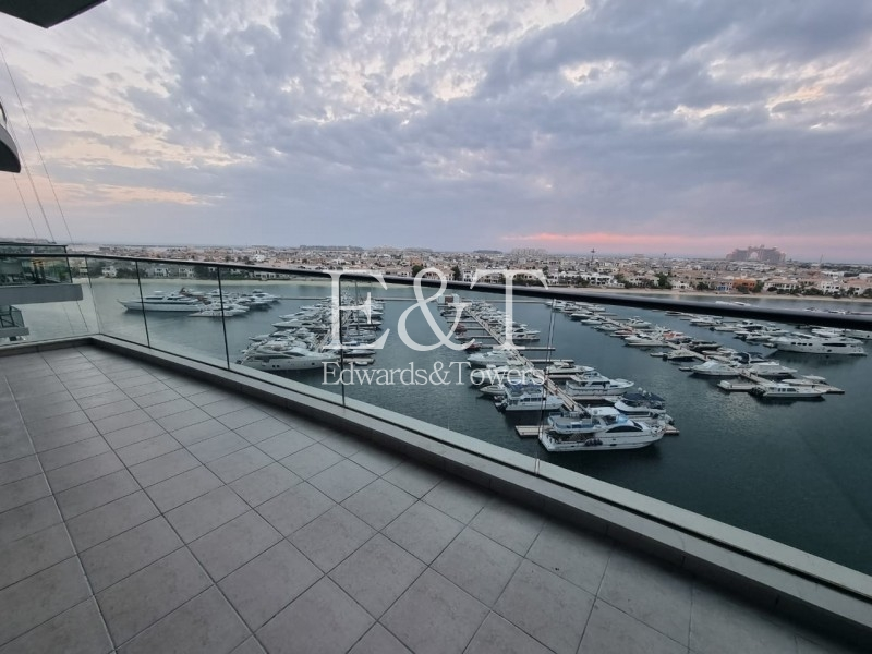 EXCLUSIVE | Upgraded | 3 Bedrooms | Full Sea View