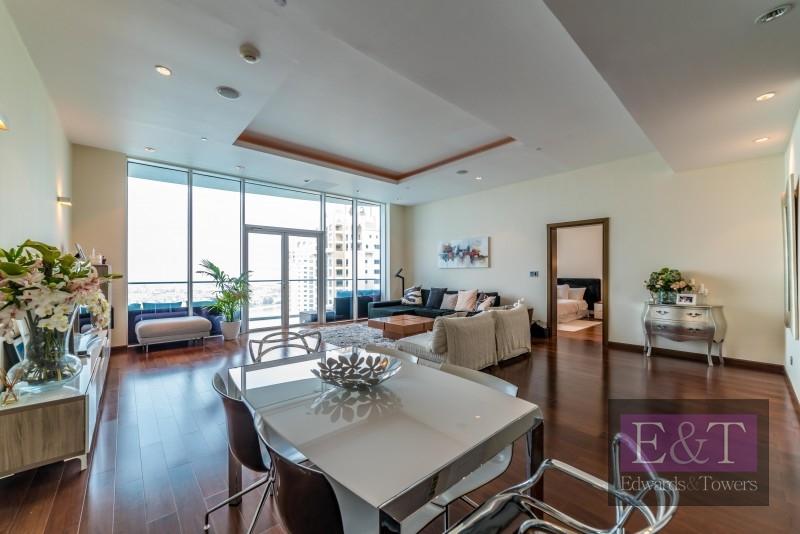 High Floor | Upgraded Open Plan Kitchen