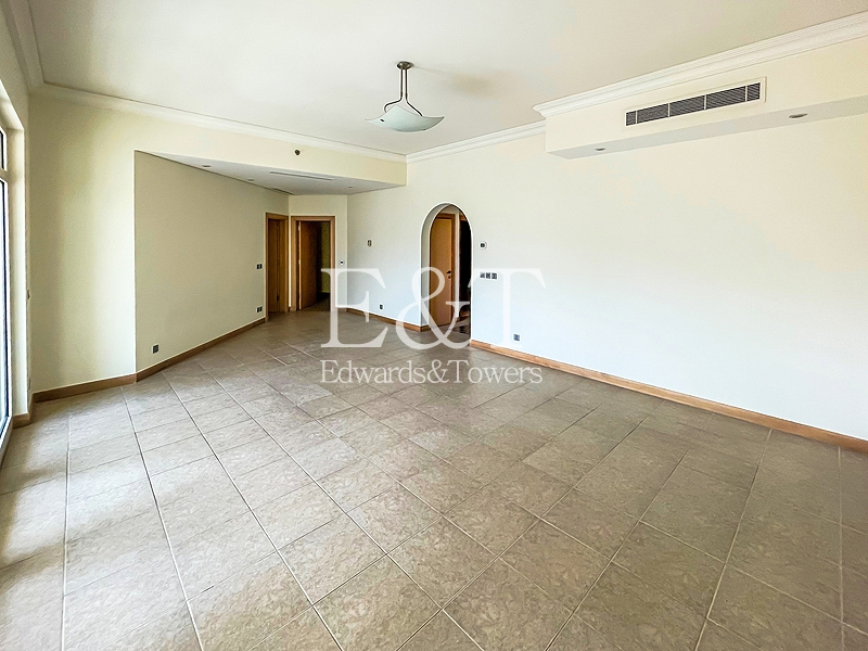 Vacant Now   Two Bedroom   Direct Beach Access