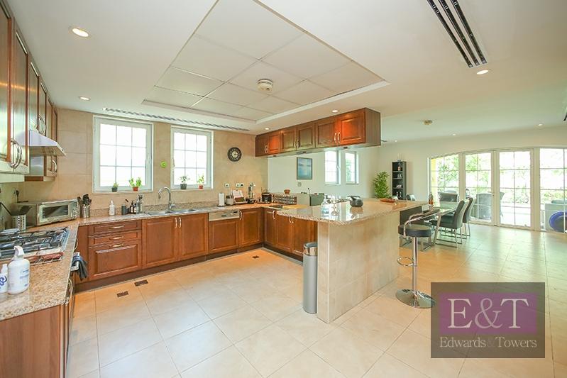 Exclusive 4 BR Villa | Corner Plot | Upgraded | JP