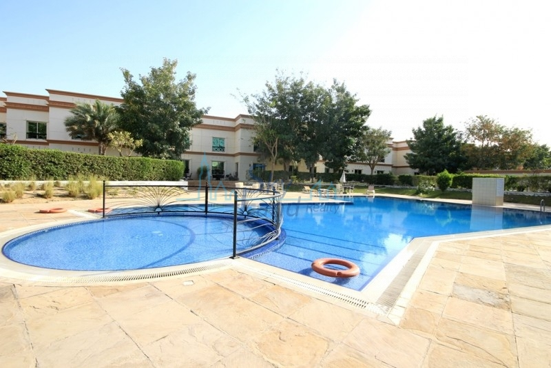 BEAUTIFUL 4BR+MAID'S VILLA IN A GREAT COMPOUND WITH POOL,GYM IN AL BARSHA 1