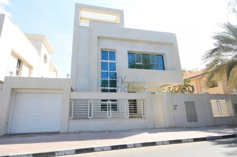 BRAND NEW COMMERCIAL VILLA WITH POOL FOR RENT IN UMM SUQEIM 1