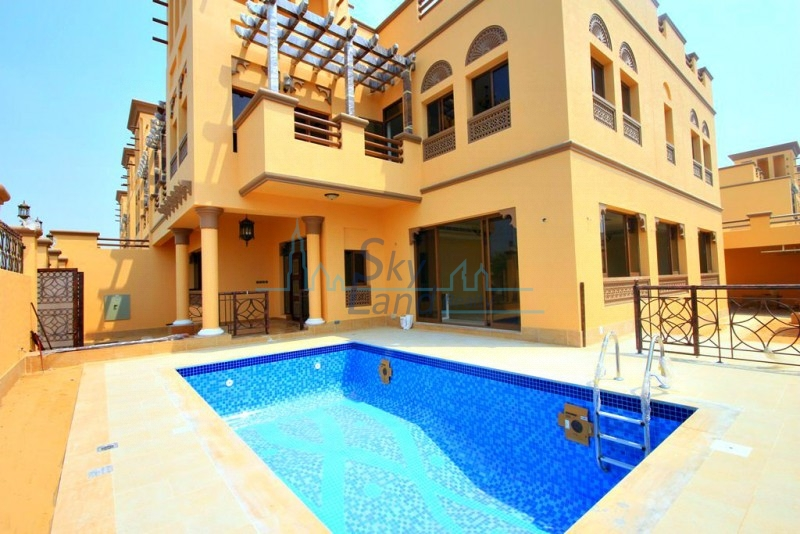 MODERN |  STUNNING 5BED |  PRIVATE AND SHARED POOL | GYM