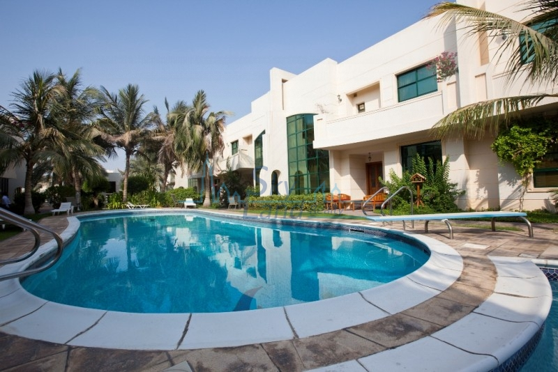VERY PRETTY 4BED SHARED POOL & GYM IN  JUMEIRAH 3