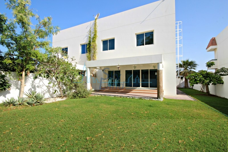 1 Month Free| 4 Bed Villa With A Big Private Garden