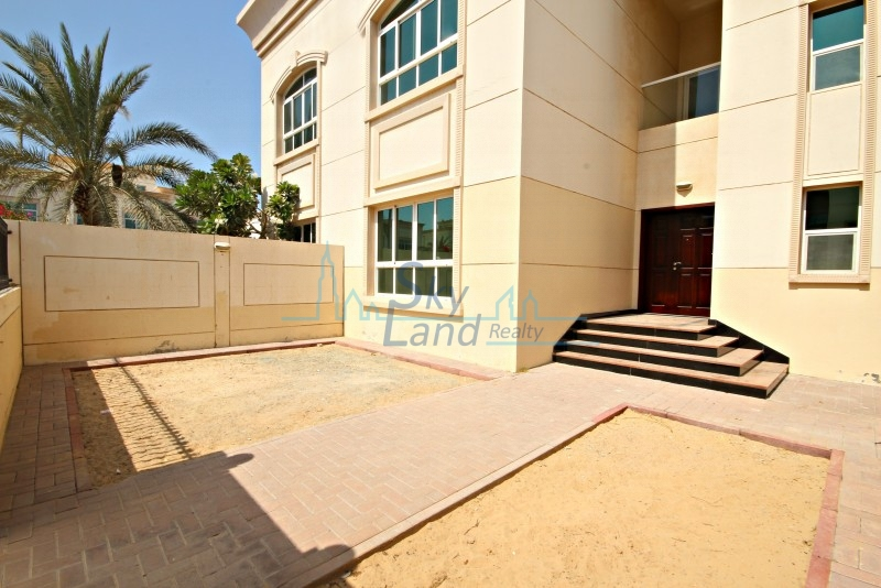 MODERN 3BR+MAIDS SEMI DETACHED VILLA IN JUMEIRAH