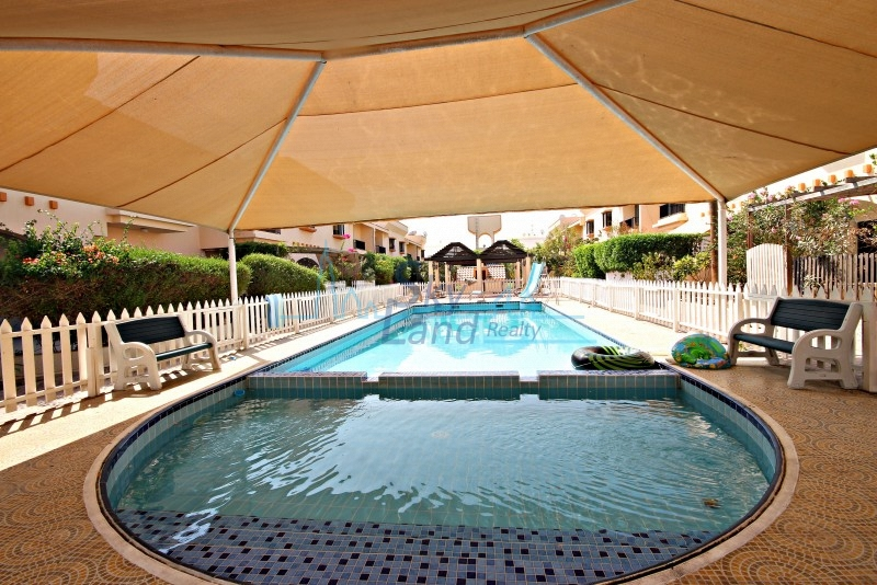 SUPERB 4 BED SHARED POOL, GYM , SQUASH IN JUMEIRAH 3
