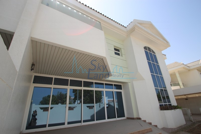 SPACIOUS AND BRIGHT 5 BED PRIVATE POOL JUMEIRAH 1