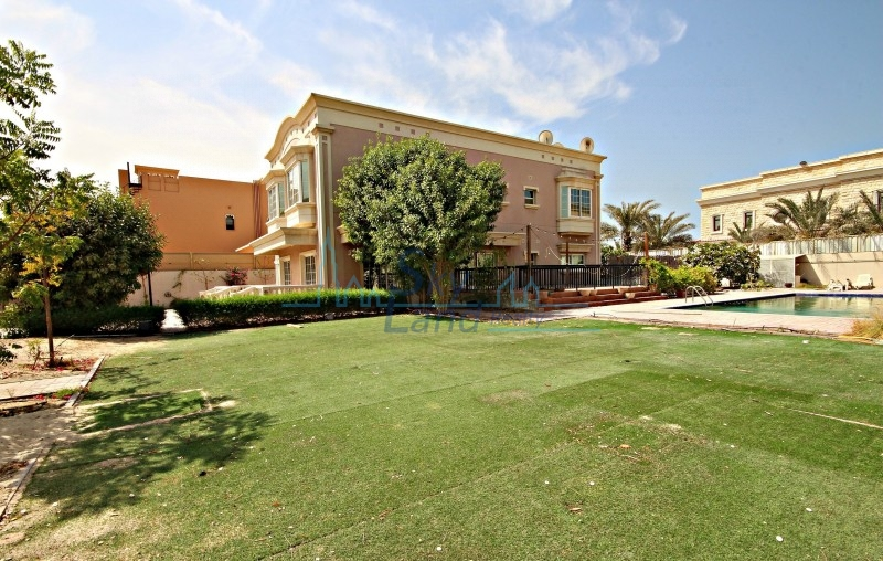 LOVELY 5BR+M INDEPENDENT VILLA WITH PRIVATE POOL AND GARDEN IN AL BARSHA