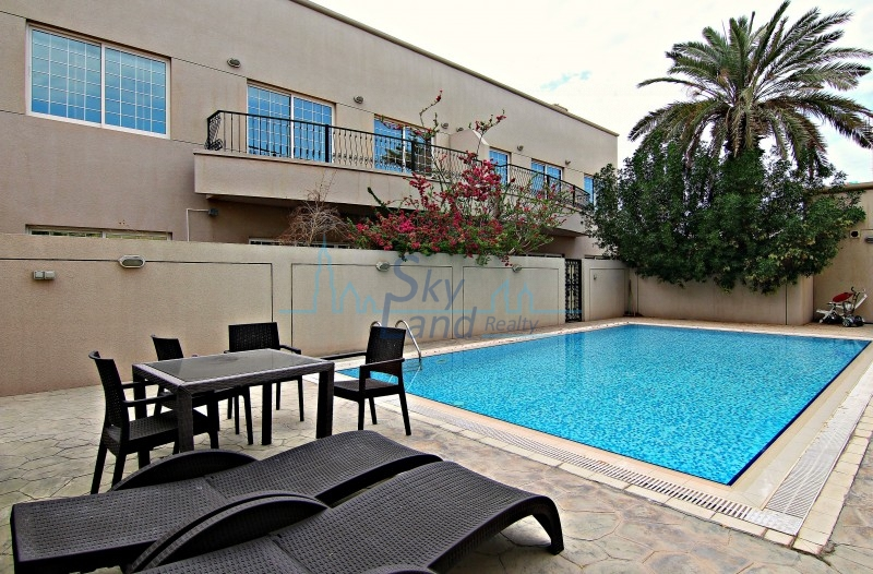 BEAUTIFUL 5BED+MAID'S WITH GARDEN, SHARED POOL,GYM UMM SUQEIM 1