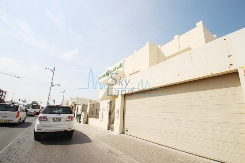 SPACIOUS COMMERCIAL VILLA FOR RENT IN JUMEIRAH 1