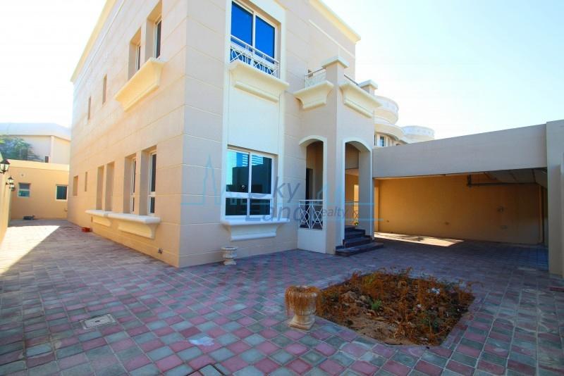 MODERN 4BED+MAID'S NEAR JUMEIRAH BEACH HOTEL UMM SUQEIM 3