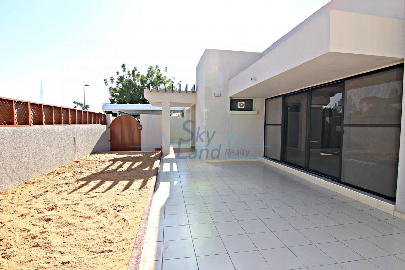 LOVELY 3 BED SINGLE STOREY VILLA WITH LARGE GARDEN IN JUMEIRAH 1