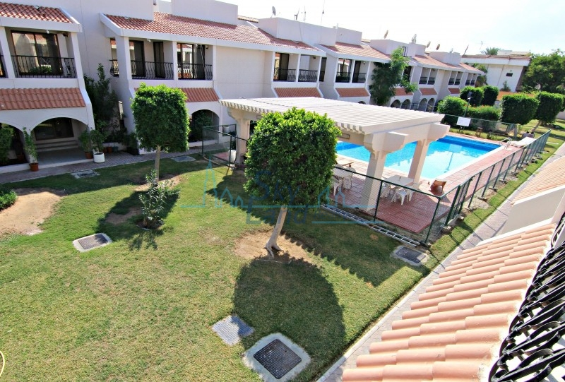 LOVELY 4 BED+M VILLA WITH SHARED POOL AND GARDEN IN JUMEIRAH 3