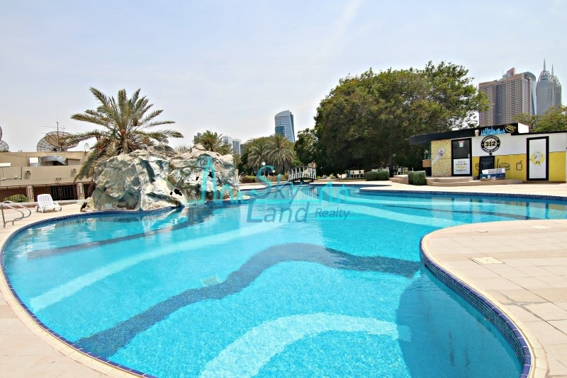 RENOVATED 3 BED WITH SHARED POOL,GYM,TENNIS AL SOUFUH