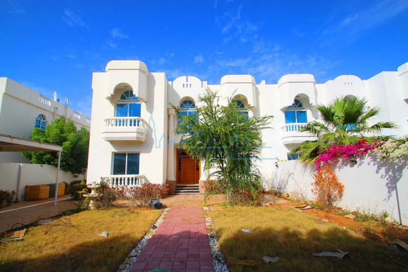 VERY SPACIOUS 4 BED WITH LARGE GARDEN IN JUMEIRAH 2