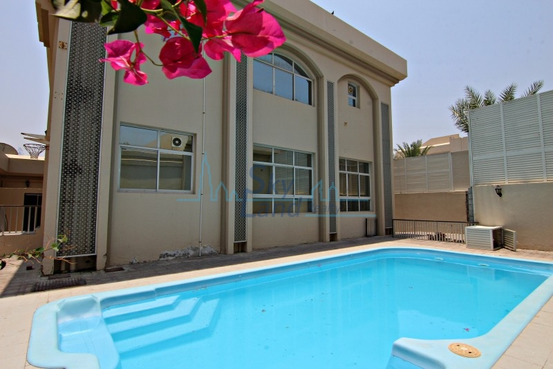 Spacious 4 Bed+M Villa With A Private Pool