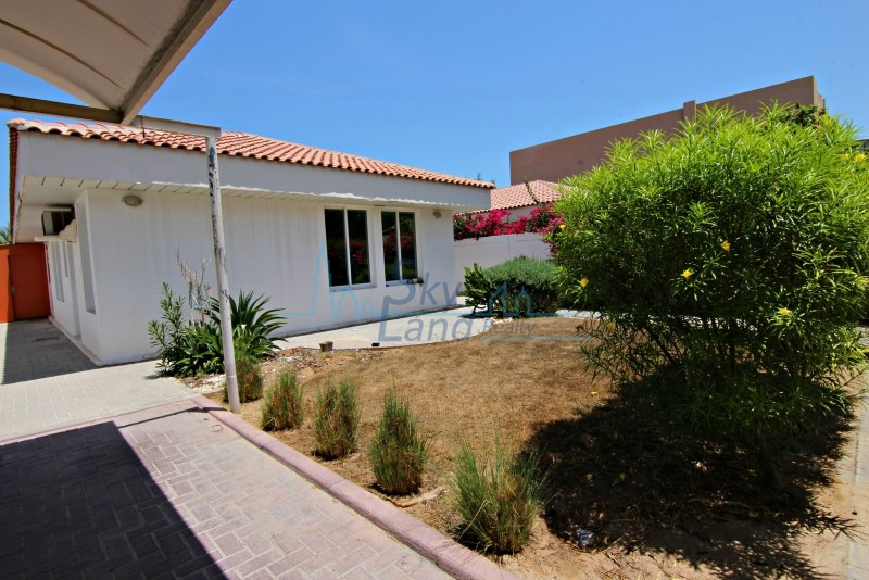 Lovely 3 Bed+M Single Storey Villa With Garden