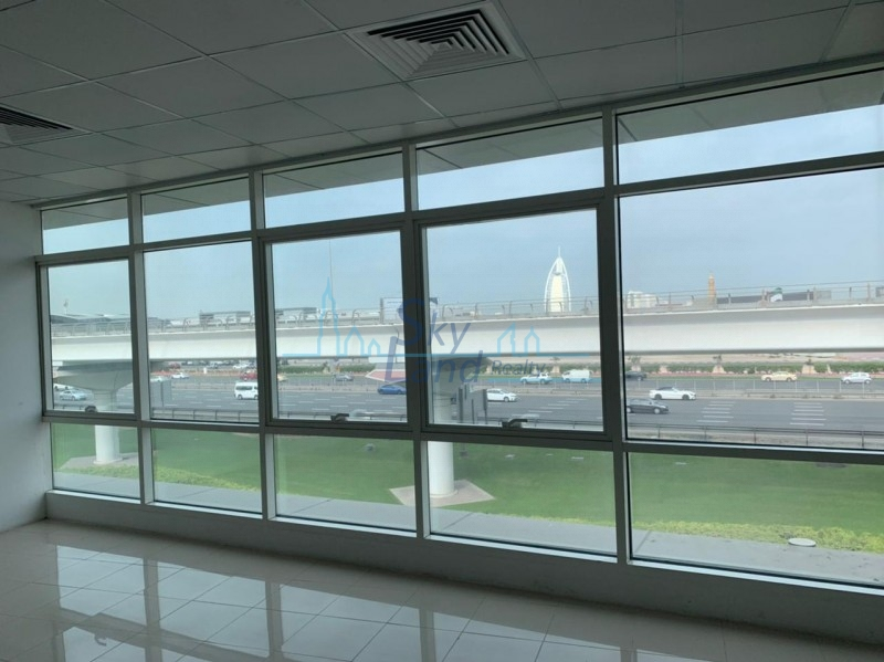 Offices Multiple Options On Sheikh Zayed Road