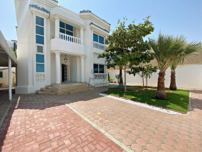 Lovely 4 Bed+M Independent Villa With A Garden