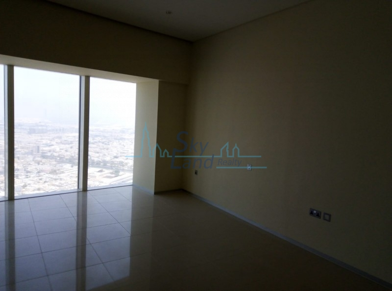 2 BR, Sheikh Zayed Road | Sea View | AED125K, 45 Days Free!!!