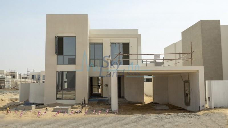 Beautiful 4 Bedrooms Villa In Emaar South