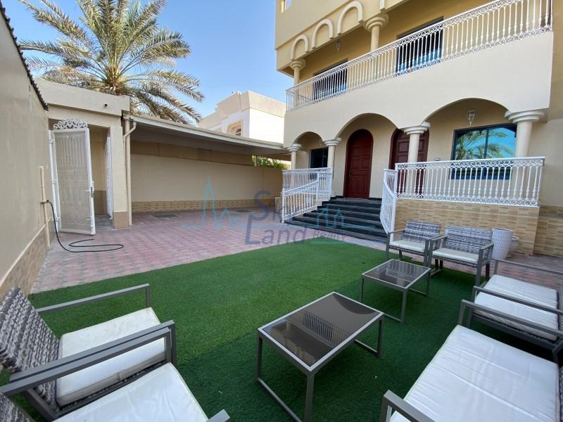 Renovated 4 Bed Semi Detached Villa In Jumeirah