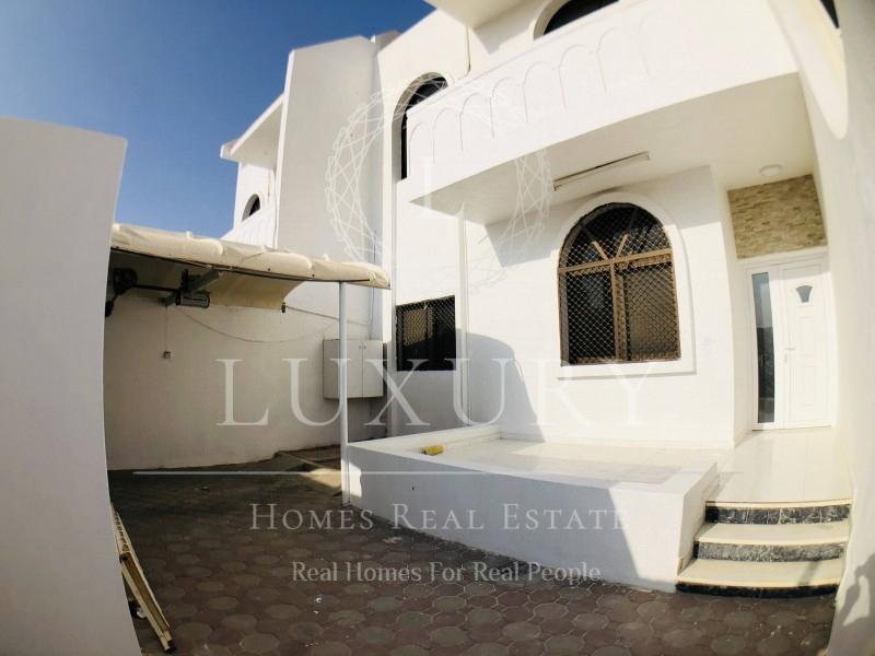 duplex-villa-with-mosque-view-backyard-balcony