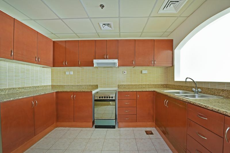 1 Bedroom Apartment For Rent in  Lakepoint,  Jumeirah Lake Towers   2