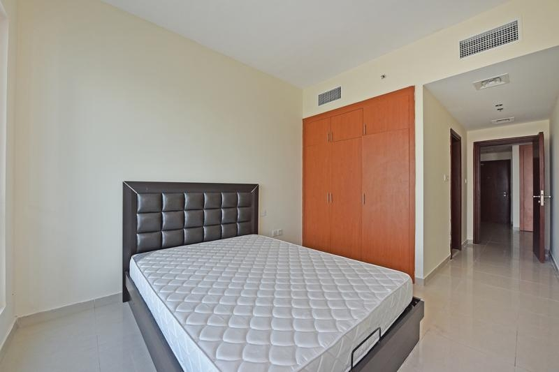 1 Bedroom Apartment For Rent in  Lakepoint,  Jumeirah Lake Towers   5