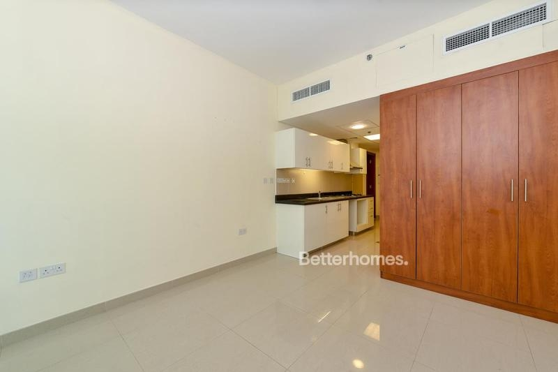 Studio Apartment For Rent in  Park Tower A,  DIFC | 3