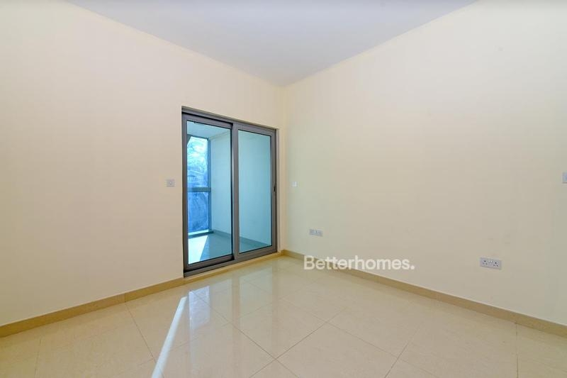 Studio Apartment For Rent in  Park Tower A,  DIFC | 5