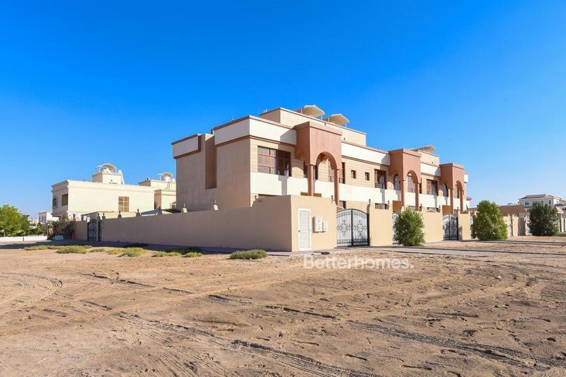 4 Bedroom Villa For Rent in  Zone 25,  Mohammed Bin Zayed City | 2