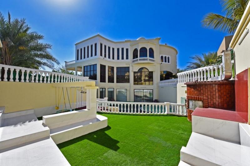Section E, Emirates Hills