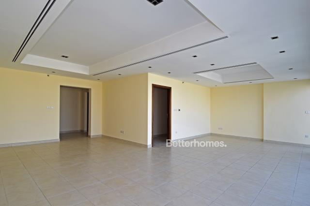 3 Bedroom Apartment For Rent in  Al Ghazal Tower,  Al Khan   0