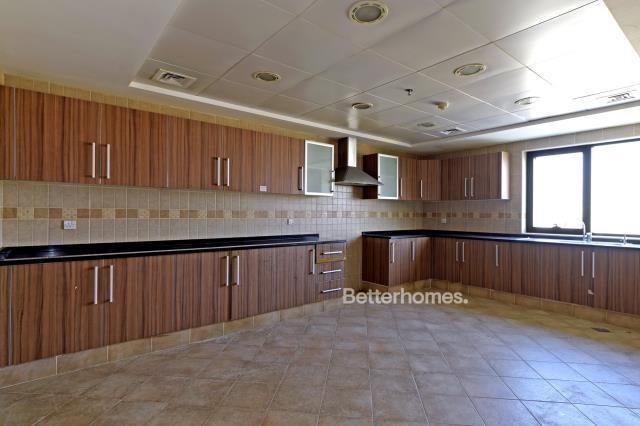 3 Bedroom Apartment For Rent in  Al Ghazal Tower,  Al Khan   5