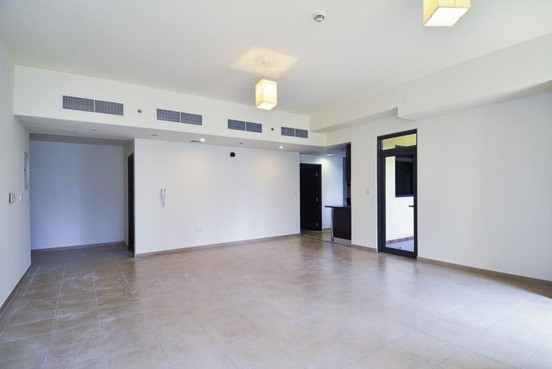 1 Bedroom Apartment For Rent in  Amwaj 4,  Jumeirah Beach Residence   0