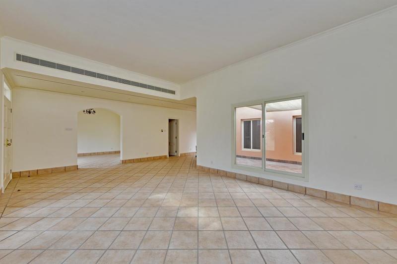 3 Bedroom Villa For Rent in  Umm Suqeim 3,  Umm Suqeim   1