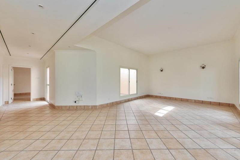 3 Bedroom Villa For Rent in  Umm Suqeim 3,  Umm Suqeim   2