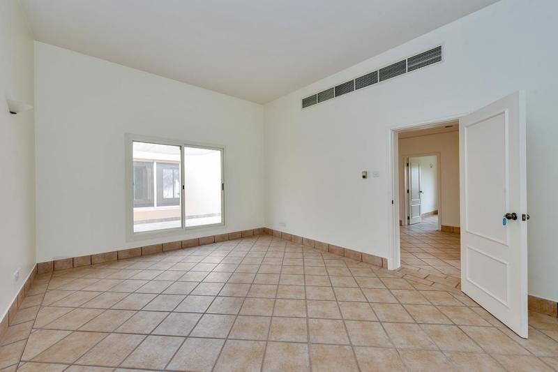 3 Bedroom Villa For Rent in  Umm Suqeim 3,  Umm Suqeim   8