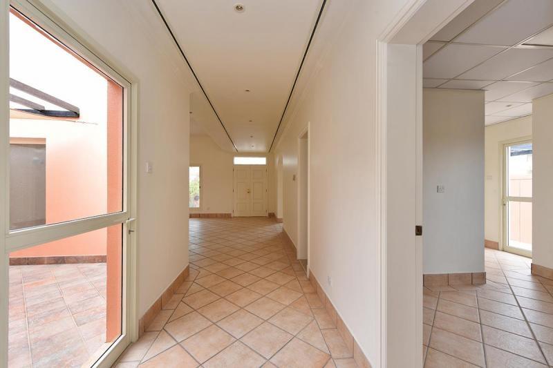 3 Bedroom Villa For Rent in  Umm Suqeim 3,  Umm Suqeim   14