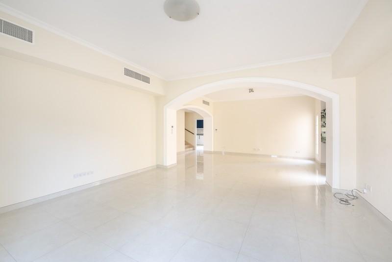 4 Bedroom Villa For Rent in  Deema 1,  The Lakes   3
